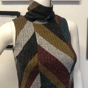 art class Tops - Turtle neck crop top